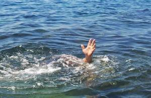 安徽初中女生月考年级第一,老师疑其买试卷,重考证明优秀后溺亡