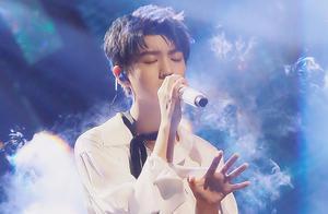 王俊凯退出湖南跨年演唱会,粉丝怒斥工作室,压榨劳动力太黑心