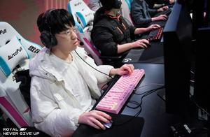 "LOL:""TOP虎""首秀大成功,RNG 2-0横扫TT获胜"
