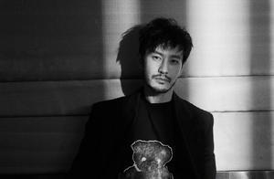黄晓明发文退出《浪姐2》,这场闹剧,谁才是最大赢家?
