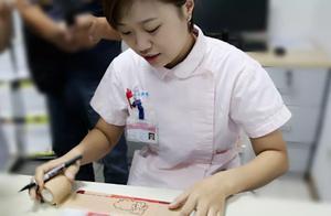 """又暖又萌!扬州小护士在绷带上作画成""""哄娃""""神器"""