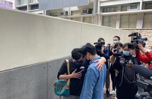 """发个声明就想脱罪?香港乱港组织""""民主动力""""宣布解散;明早正式提堂受审,有人直接哭了,市民却开心坏了"""