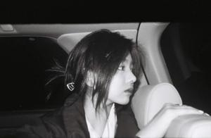 汪峰15岁大女儿度假,侧颜超美,细腰长腿身材不输亲妈葛荟婕