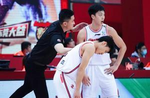 CBA今晚两场大战:广东战最水冠军争8连胜,北京欲避4连败