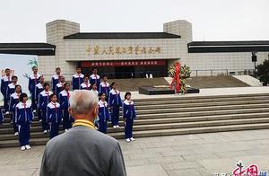 中国发布丨清明缅怀英烈寄哀思!93岁抗战老兵向英勇献身的战友们表白