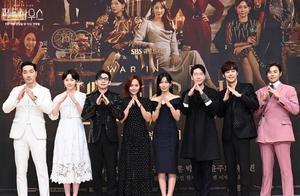 韩剧《顶楼2》发布会后续,主演遭遇疯子,幸好李智雅没有去