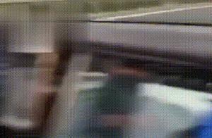 特斯拉自动驾驶追尾货车致车头全毁?找谁赔?官方这样回应…