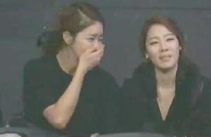 """方便被韩国主持人一语""""激怒""""场上暴打韩国冠军,台下美女看哭"""