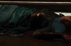 雷神2:黑暗世界  雷神来迟一步,母亲被害