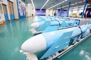 美军虚张声势,伊朗亮出地下导弹库,林肯号航母后撤数百公里
