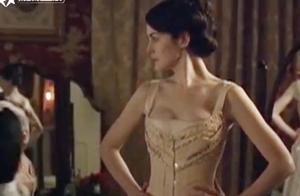 《唐顿庄园》的贵族小姐们,一天就要换好几身行头,真是让人羡慕