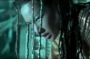 锦衣卫:青龙请出裁决之刃 跟魔女同归于尽,真是精彩