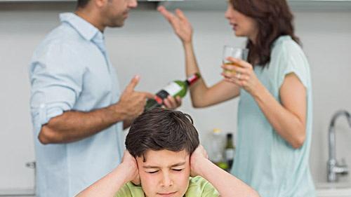 爸妈天天为我不结婚的事吵架怎么办