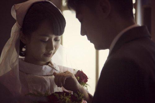 杨紫长大,别人家的女儿转型演娇妻,吻戏不断