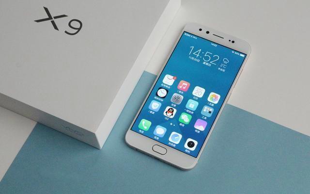 十月中国热销手机:vivo凭着自拍照霸榜,华为公司只排第三
