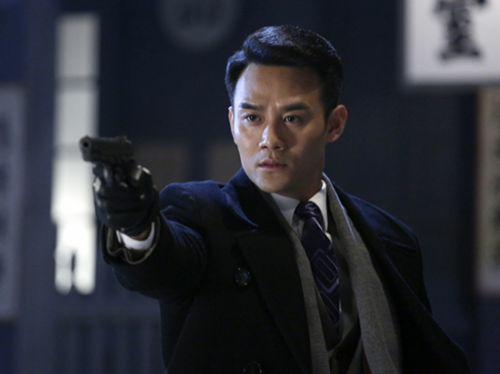 他是伪装者中的阿诚,是琅琊榜中的靖王,是默默努力的演员—王凯