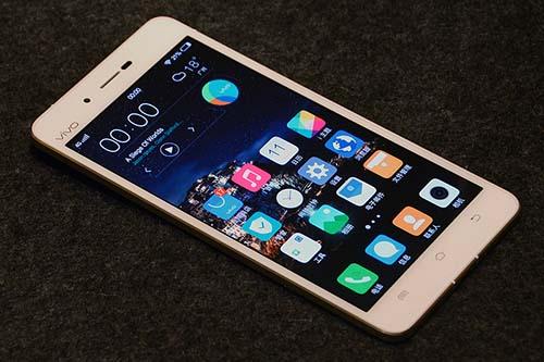 "Vivo绝世纤薄新产品的身后:手机上更""厚"" 心里更慌"