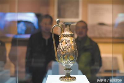 固原博物馆展出波斯鎏金银壶