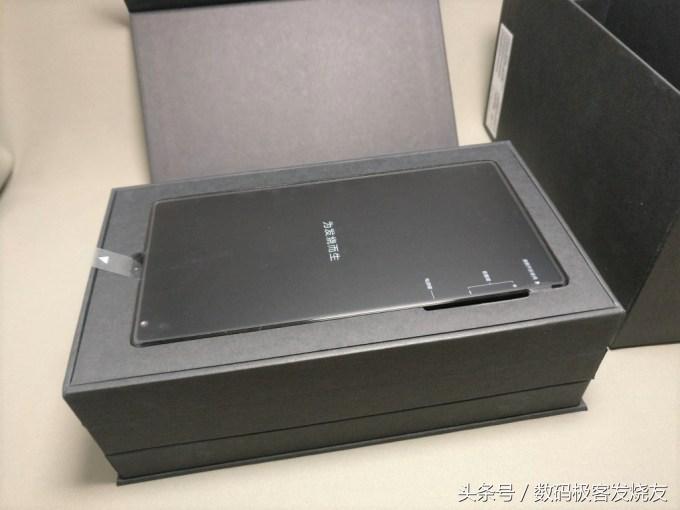当下屏占比最高的量产手机——小米MIX开箱评测