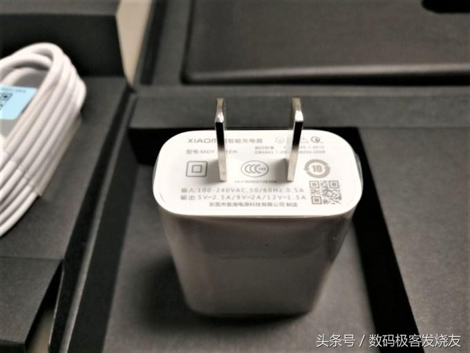 當下屏占比最高的量產手機——小米MIX開箱評測