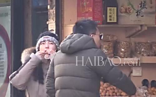 [视频]又是一个大猛料!张雨绮长春约会神秘男被曝光,究竟是不是婚内出轨?请报友们看过视频自行判断!
