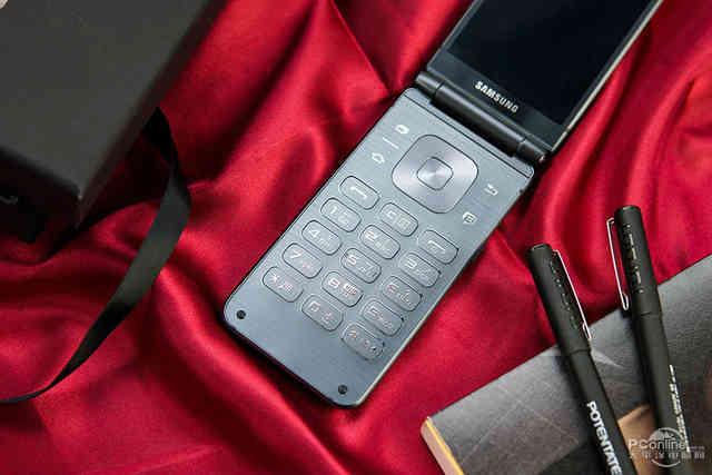 新手机袭来:三星携手并肩中国移动通信公布双屏幕领世旗舰级8