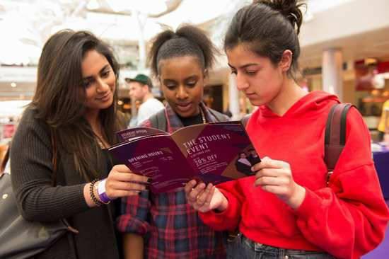 英国WESTFIELD购物中心在黄金周期间推出学生购物节活动
