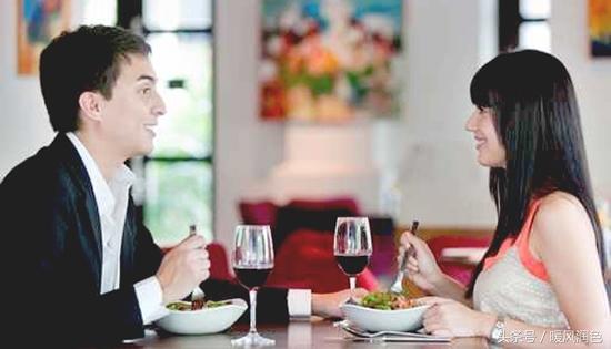 相亲饭桌上的奇葩吃相,击垮了多少人的情感梦