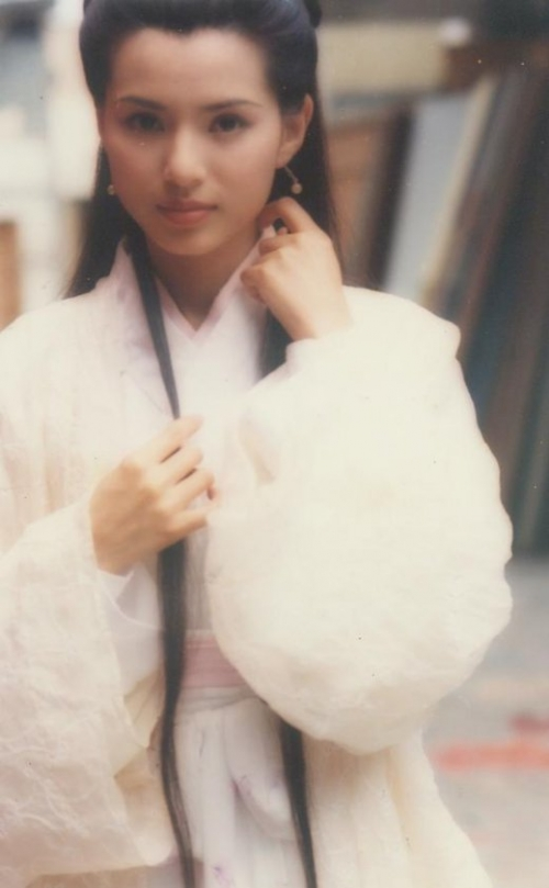 白衣飘飘,女星古装造型谁最养眼?