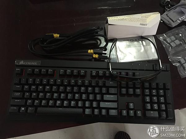 终于购入人生第一台机械键盘--Corsair海盗船 STRAFE 惩戒者