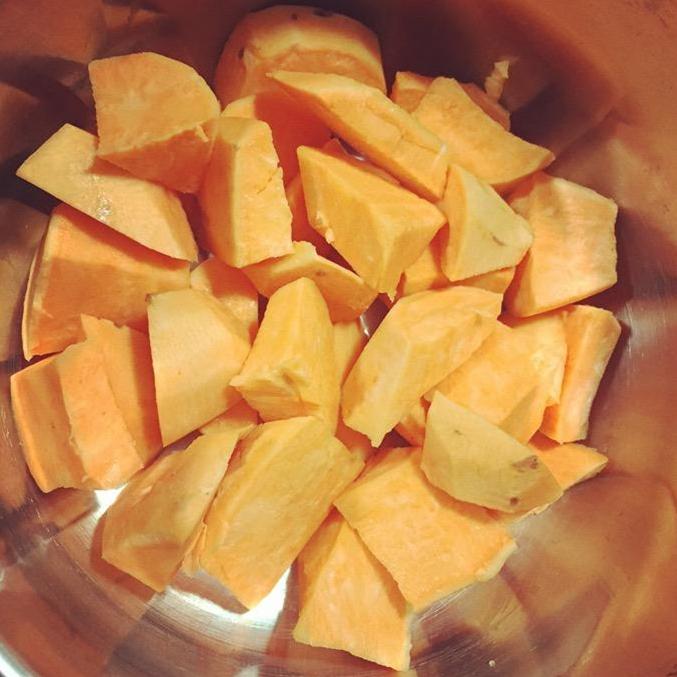 甜糯的拔丝地瓜 美食做法 第2张
