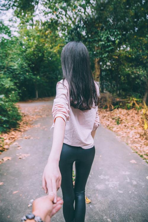 人像摄影:镜头下的林间漫步