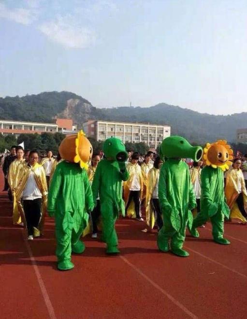 某高校运动会开幕仪式,方阵服装成亮点!