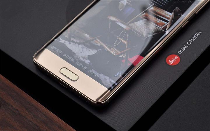 牛皮后盖板 正脸指纹识别:华为公司Mate 10玛莎拉蒂版才算是iPhone X真实的对手