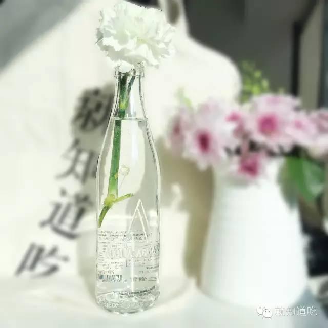 我们找了60个牌子100多瓶水,最潮的竟然是这20瓶