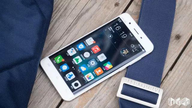 首款国产品牌曲面屏手机,vivo Xplay 5上手多日评