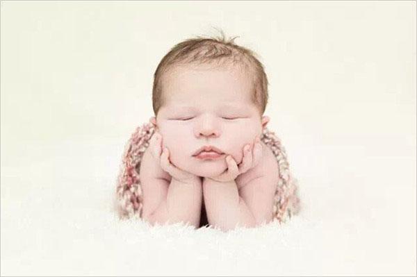 0~1月龄婴儿发育指标测试,宝妈宝爸快来帮您的宝宝测测吧