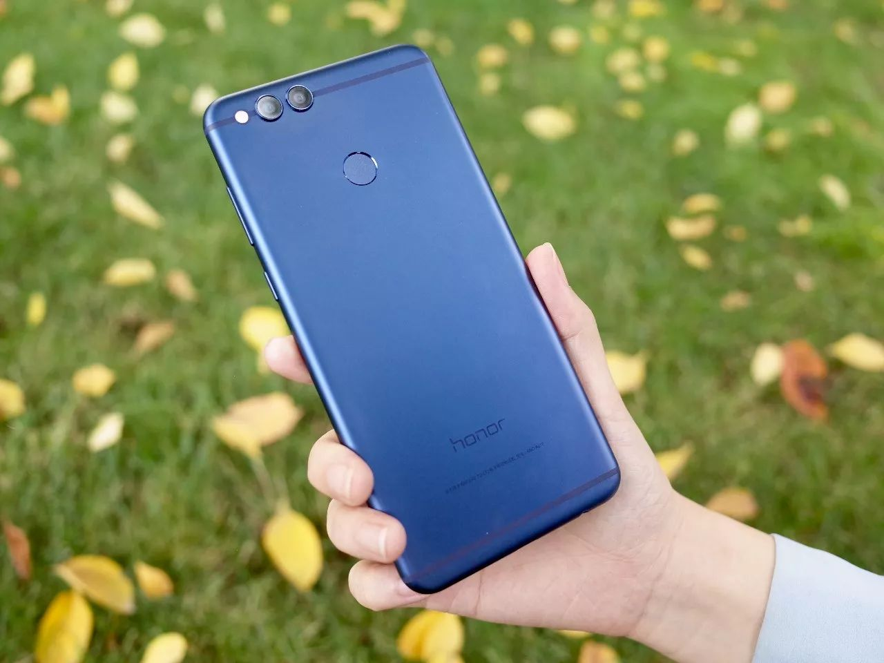 手机拍照丨情面较大 的1000元旗舰级——荣耀畅玩7X评测