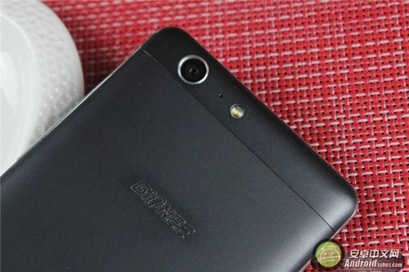 """6020mAh电池有""""心""""意 金立M5全面评测"""