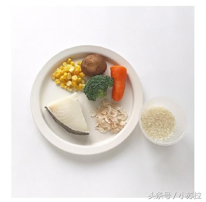 「五彩鳕鱼粥」适宜1岁以上的宝宝,妈妈们必学的宝宝辅食