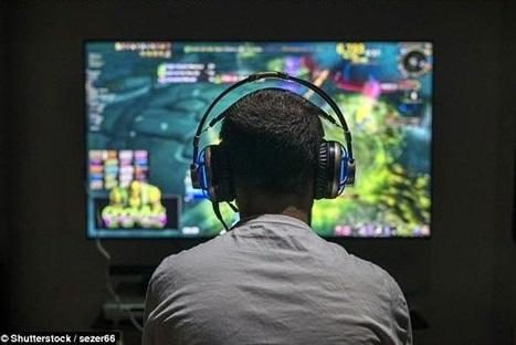 直播间打手机游戏赚进一个亿 2五岁英国帅男成YouTub上挣钱快的人