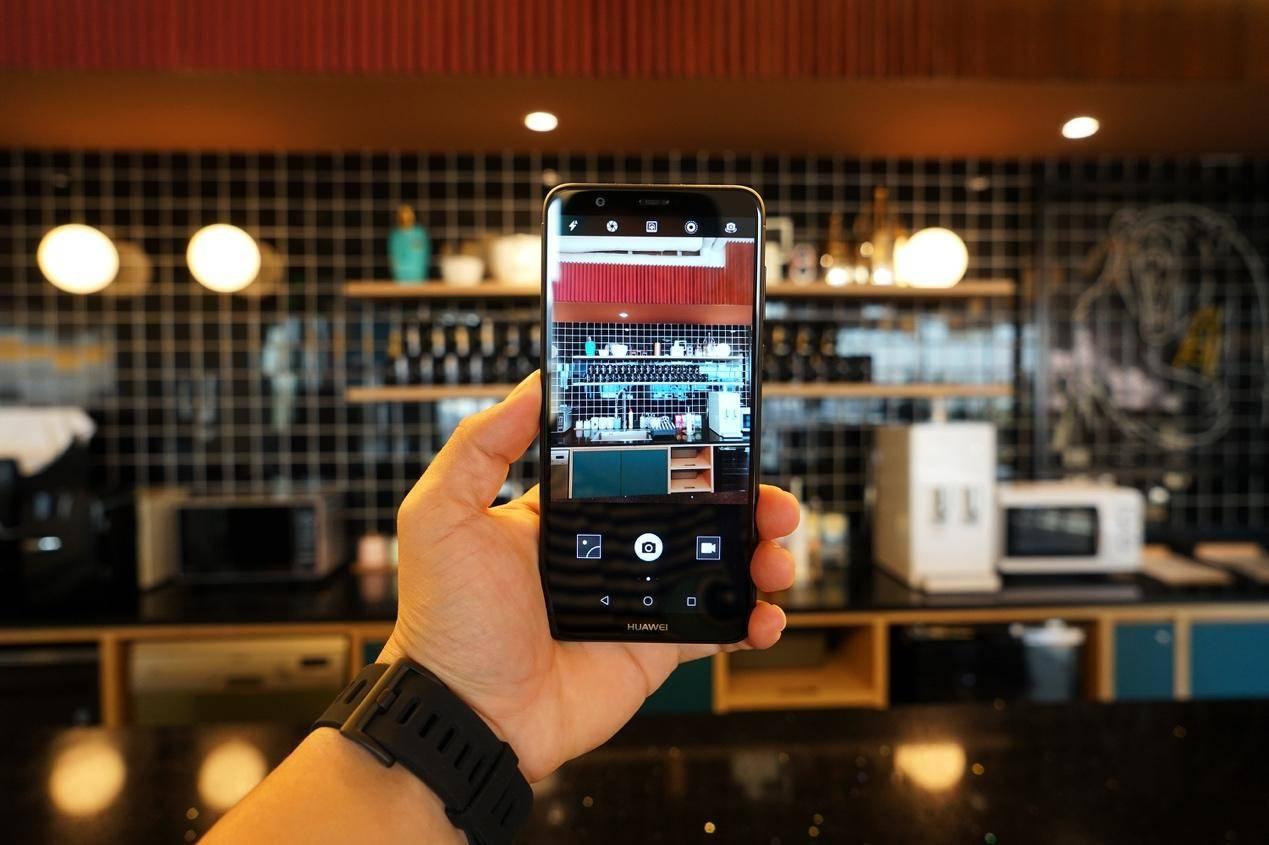 华为畅享7S公测:全面屏手机 双摄像头,1000元价格,在校大学生最喜欢