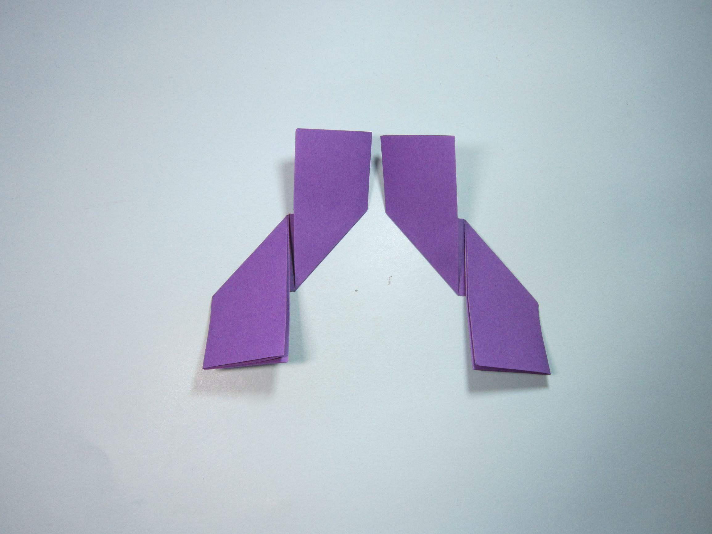 三角飞镖怎么折7步(简单飞镖的折法步骤图解)插图(5)