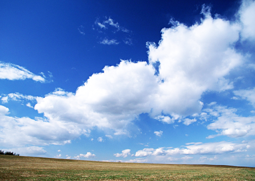 形容蓝天白云很美句子云卷云舒,蓝天白云优美简短句子