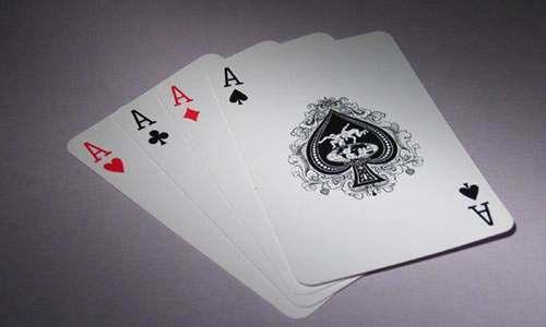学会这4种棋牌游戏的打法,过年打牌基本不会输!