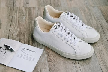 不留心这一关键点,你的白色运动鞋会变为小白鞋
