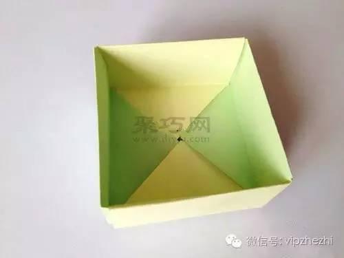 纸盒子的折法带盖子的正方形盒子