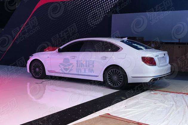 2018纽约车展探馆:起亚汽车最新款K900 知名品牌旗舰级