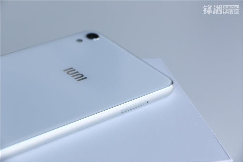 双曲面夹层玻璃 金属边框:IUNI N1开箱图赏