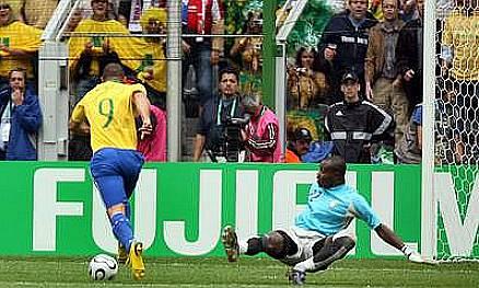 世界杯回忆杀:大罗钟摆过人进球 布洛林率瑞典拿季军